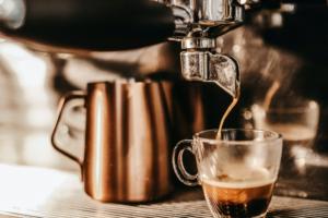 Woonatelier_koffiebar-pistonmachine